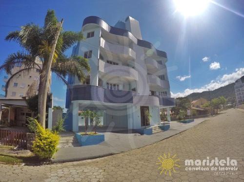 Apartamento bem localizado à 150 metros da praia.