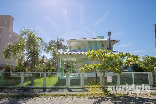 Casa próxima a praia, em Palmas.