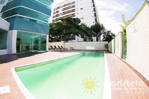 Apartamento próximo da praia, condomínio com piscina.