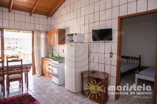 Apartamento bem localizado à 250 metros da praia.