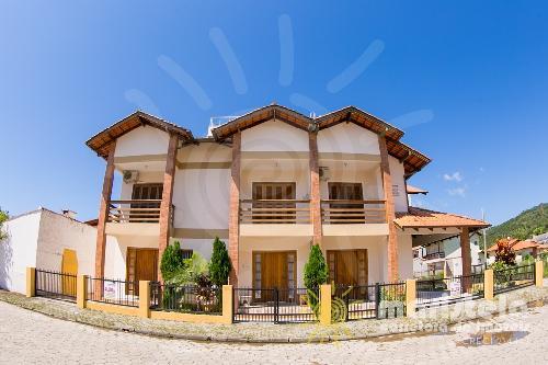 Casa Geminada na 5ª quadra em Palmas.